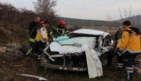 Tır ile otomobilin çarpıştığı kazada karı koca hayatını kaybetti