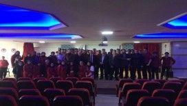 MÜSİAD'tan lise öğrencilerine yabancı dil konferansı