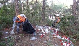 Temizlik işçileri Türkbeleni'ni temizledi