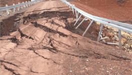 Barajda oluşan çatlak, toprak kaymasına sebep oldu