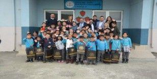 'Kardeş okuluma hediye' projesi Bakırlık İlkokulu'nda yapıldı