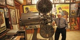 Eski makinistin 'sinema evi' ziyaretçilerine nostalji yaşatıyor