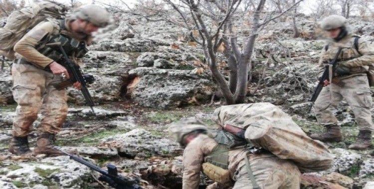 Mardin'de teröristlerin inlerine şafak operasyonu