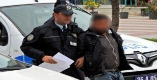 156 yıl 117 ay hapis cezası bulunan cezaevi firarisi Çeşme'de yakalandı