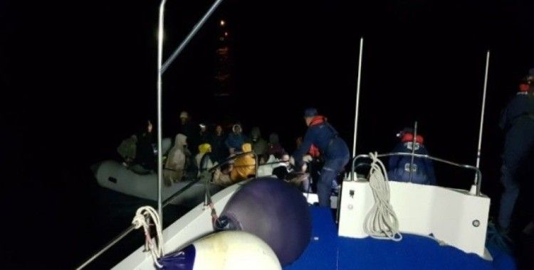Bir lastik botta 36 kişi