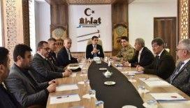 """Ahlat'ta """"Otobüslerin Yol ve Trafik Güvenliğinin Sağlanması"""" toplantısı"""