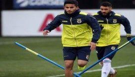 Fenerbahçe derbi için kampa girdi