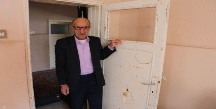 (Özel) Eşiyle birlikte 7 torununa bakan Mustafa amca, yardım bekliyor