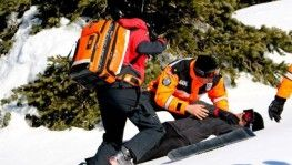 Uludağ'da yaralanan dağcıyı kayaklı JAK timleri böyle kurtardı