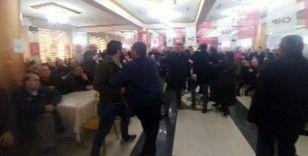 """CHP kongresinde delege kadına danışmadan sert tepki: """"Otur lan"""""""