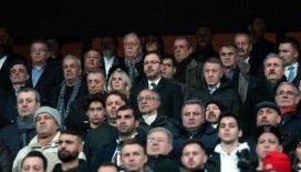 Bakan Kasapoğlu maçı başkanlarla izledi