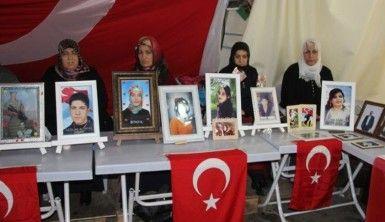 HDP önündeki ailelerin evlat nöbeti 174'üncü gününde