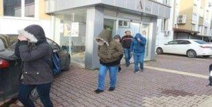Engelliler derneği adı altında dolandırıcılık yapan çete üyeleri adliyede