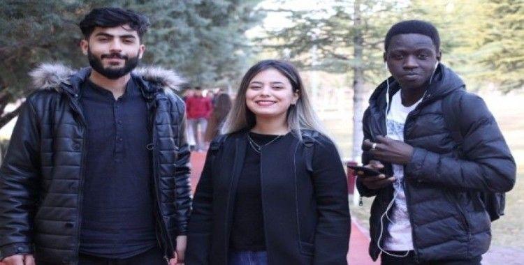Elazığ'da depremin ardından Fırat Üniversitesi'nde de eğitim başladı