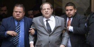 Dünyaca ünlü film yapımcısı Harvey Weinstein tecavüzden suçlu bulundu