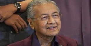Malezya Kralı, Başbakanın istifasını kabul etti