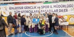 Burhaniyeli öğrenciler halk oyunlarında Balıkesir ikincisi oldu