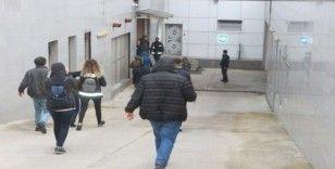 Dolandırıcılık çetesinde 4 kişi tutuklandı