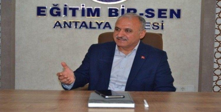 """Eğitim Bir Sen Antalya Şube Başkanı Miran: """"Hocalı katliamının hesabı sorulmalı"""""""