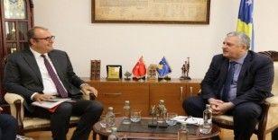 Kosova İçişleri Bakanı Veliu,  Büyükelçi Sakar'ı kabul etti