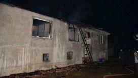 Camideyken evi yandı