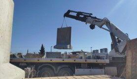 İdlib'e beton bariyer sevkıyatı