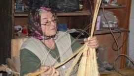 Süpürgeci Hanife Teyze: 40 yıldır süpürge üretiyor