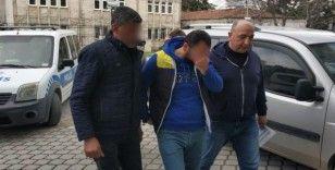 Prefabrik binanın kapılarını çalan 2 kişi tutuklandı