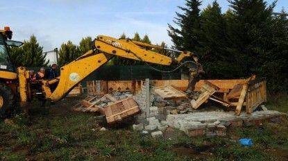 Mutlak koruma havzasındaki kaçak yapılar yıkıldı