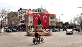 Adıyaman'da iş yerleri Türk bayrakları ile donatıldı