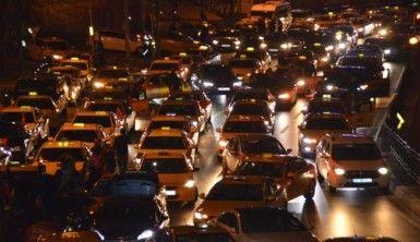 İstanbullu taksicilerden İdlib'e destek konvoyu