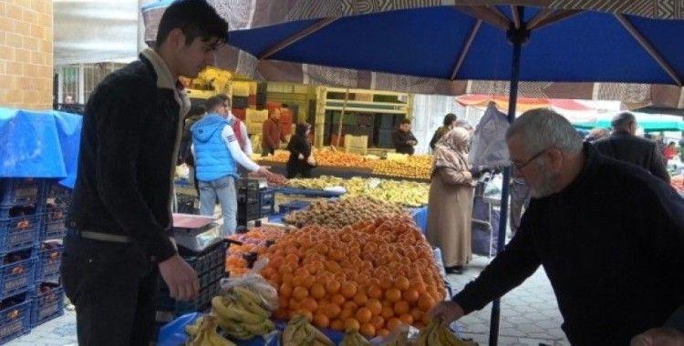 Havaların ısınması semt pazarlarında tezgahlara olumlu yansımadı