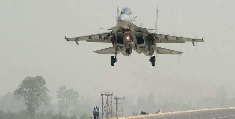 Rusya'nın savaş uçakları Suriye'den Rusya'ya geri döndü