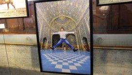 'Görünenin Şiiri Fotoğraf' sergisi sanatseverlerin ziyaretine açıldı