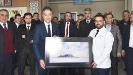 Neşter tutan eller Bitlis'in güzelliklerini fotoğrafladı