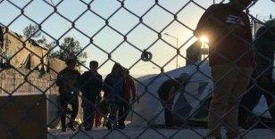 Paris'teki düzensiz sığınmacılardan Yunanistan'daki mültecilere destek