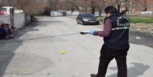 Komşuların kavgasında silahlar konuştu: 5 yaralı