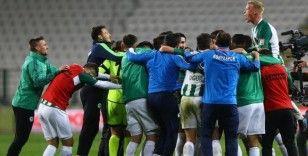 Konyaspor galibiyet özlemini Fenerbahçe maçıyla giderdi
