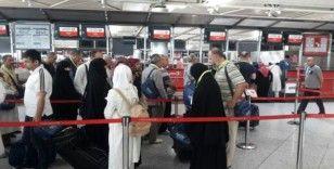 Umreden dönen 10 bin 330 kişi Ankara ve Konya'da karantina altında