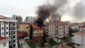 Tuzla'da 3 binanın çatı katları alev alev yandı