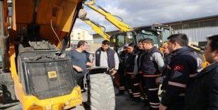 Pamukkale Belediyesi ağır vasıta ve iş makinesi operatörlerine eğitim verdi