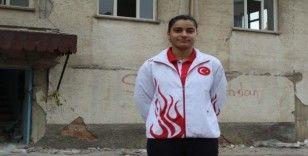 Depremin evsiz bıraktığı Milli Sporcu Aliye, Olimpiyatlara katılmak için mücadele veriyor