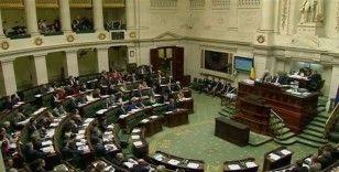 Belçika'da hükümet krizine geçici çözüm