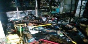 Bakkalda çıkan yangın maddi hasara yol açtı