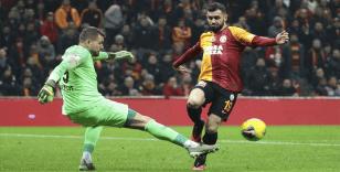 Galatasaray'da sağ elinde kırık oluşan Ömer Bayram ameliyat edildi
