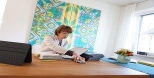 Köln Belediye Başkanı Reker, virüs şüphesiyle karantina altında