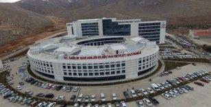 Elbistan Devlet Hastanesi'nde Korona virüs için izole poliklinik önlemi