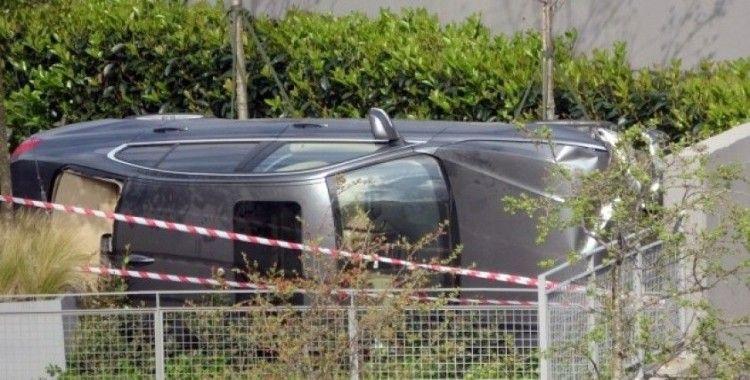 Sarıyer'de lüks otomobil 15 metreden uçtu: 2 yaralı