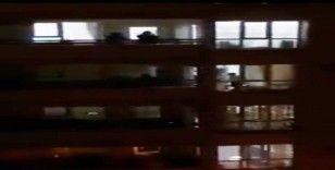 Hatay'da sağlık çalışanları balkonlardan alkışlandı