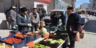 İhsaniye pazarında Korona virüs durgunluğu
